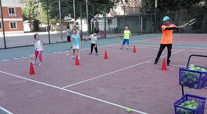 得乐网球俱乐部网球班